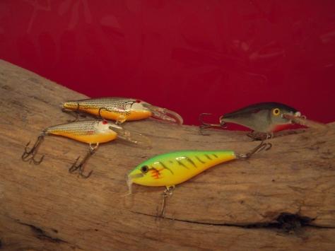 - De smukke og prisvenlige Behr-woblere. Forrest dagnes gul-grønne fiskemagnet.